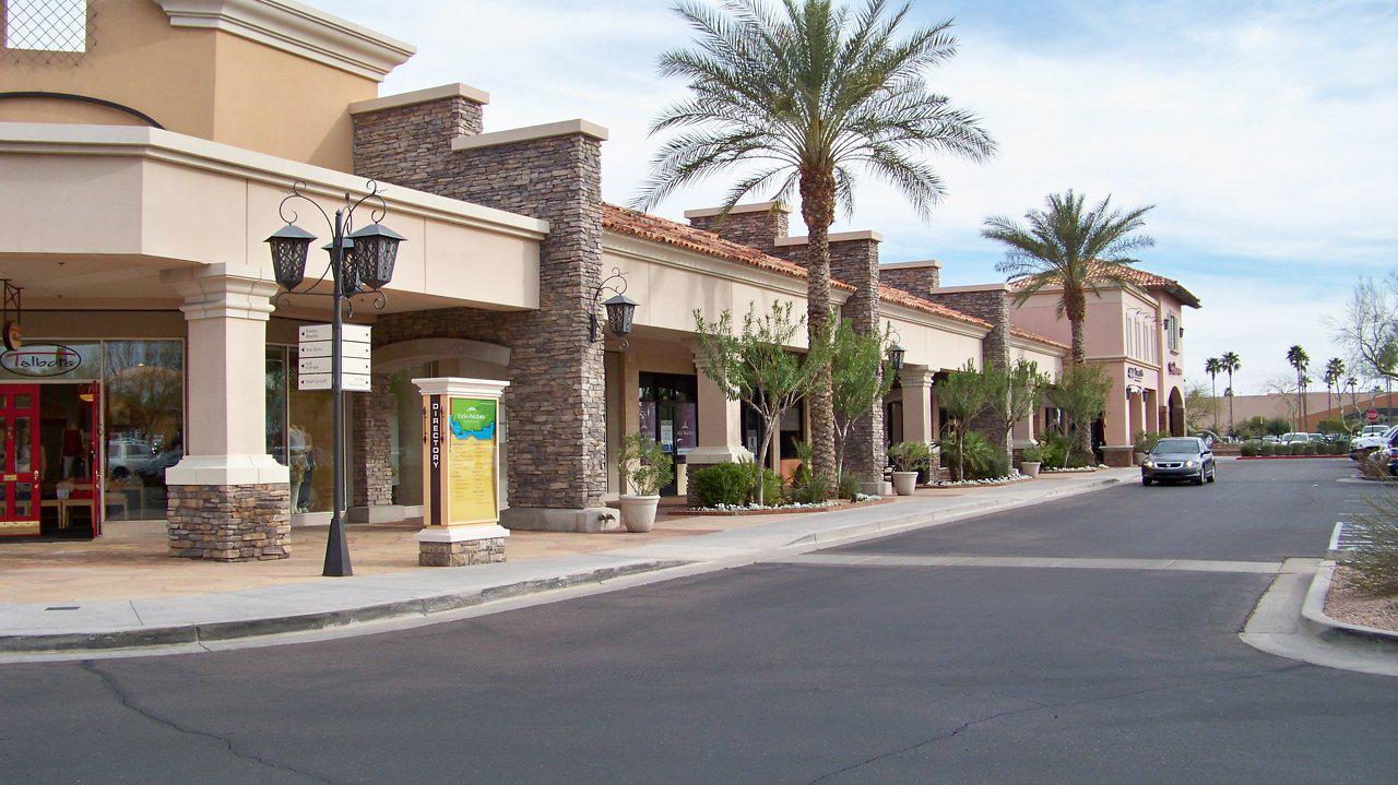 West Side of Casa Paloma Shopping Center